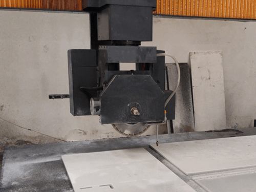 Stone blade thickness detection